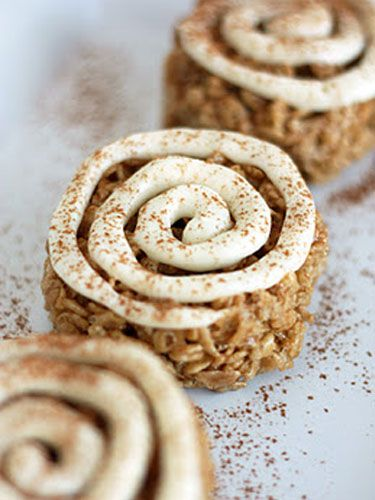 Cinnamon Roll Rice Krispies Treats