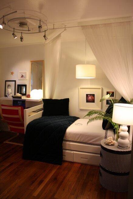 Room おしゃれまとめの人気アイデア Pinterest Natacha Gomez Campoalegre 寝室の配置 ベッドルーム インテリア 小さな部屋