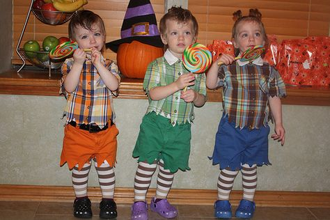 Make Your Own Munchkin Costume   Related Pictures lollipop guild halloween costume