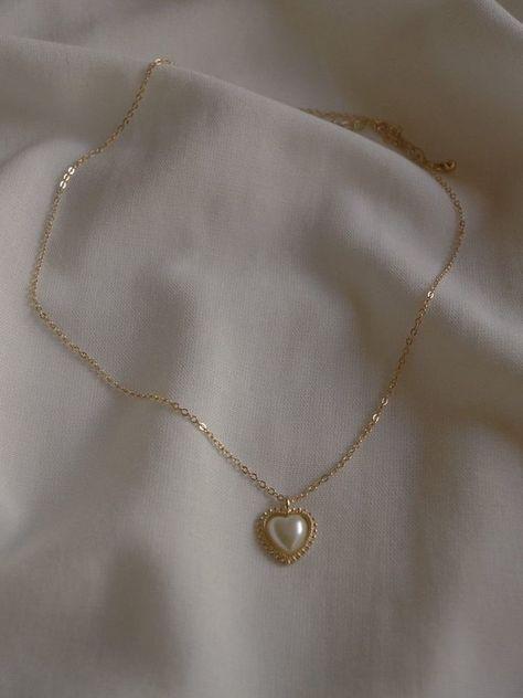 Dainty Jewelry, Cute Jewelry, Gold Jewelry, Vintage Jewelry, Jewelry Accessories, Jewlery, Filigree Jewelry, Bullet Jewelry, Hippie Jewelry
