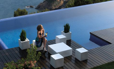 Biophilia, by Ross Lovegrove, is a collection that pushes the - designer gartensofa indoor outdoor