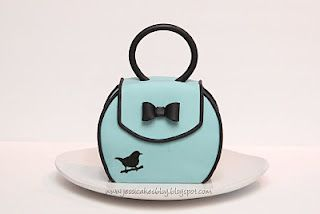 Jessicakes: Little Cake Purse Tutorial - How to make a purse cake