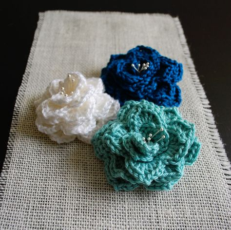 Crocodile Stitch Flower: Free Pattern