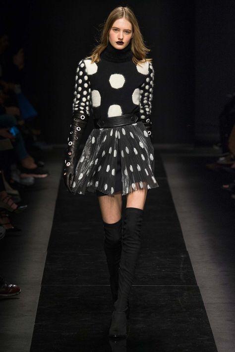 Emanuel Ungaro Fall 2015 Ready-to-Wear Fashion Show