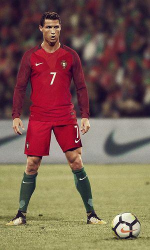 Cr7 Máximo Goleador Histórico De La Selección Portuguesa 81 Tercero A Nivel Mundial Sports Ronaldo Football Jerseys