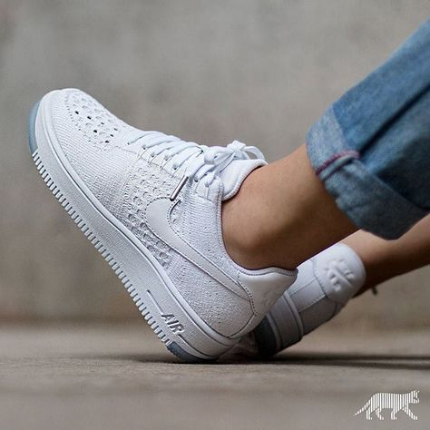 finest selection d8c12 6fc54 Sneakers femme - Nike Air Force 1 Low Flyknit (©asphaltgold sneakerstore)