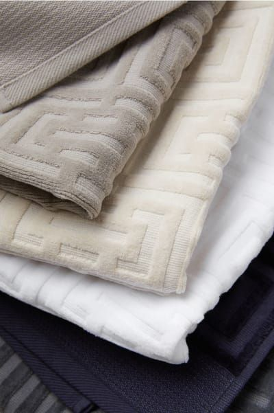 17 Of The Best Places To Buy Bath Towels Online Towel Hand