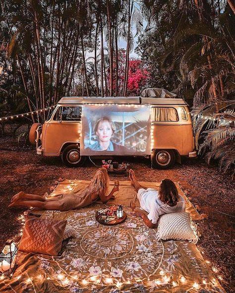[[MORE]] 🌏 Northern Territory Van Life! 📷: - Date night on the road. Camper Life, Camper Van, Van Life, Kombi Trailer, Combi Ww, Vw Camping, Glamping, Camping Ideas, Camping Date