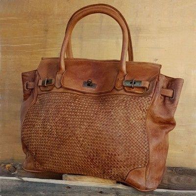 epingle sur sac cuir vintage