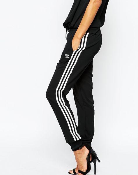 Immagine 4 di Adidas Originals - Pantaloni della tuta con fondo  elasticizzato e 3 righe 0cec0fa69f64