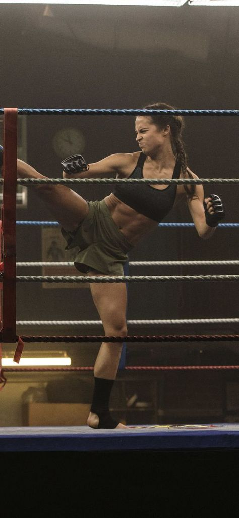 The actress also gained an eight-pack when training to play Lara Croft. - The actress also gained an eight-pack when training to play Lara Croft. – The actress also gaine - Fitness Workouts, Fitness Goals, Fitness Inspiration, Body Inspiration, Lean Body, Moda Fitness, Sport Motivation, Judo, Fitspo