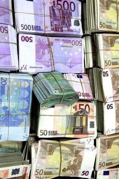Solo Mio Dinero Para Reunirme Con Mi Hija Con Dinero