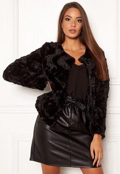 Köp Pälsjackor från Vero Moda för Kvinna Online | FASHIOLA.se
