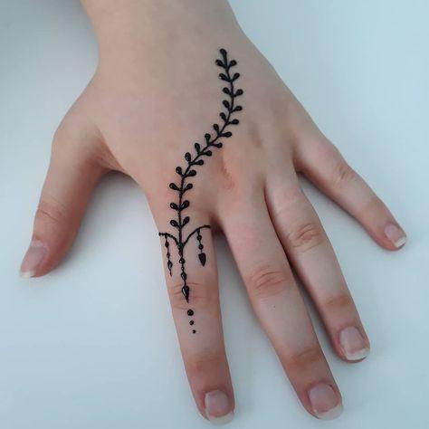 Simple Hand Finger Henna Pinterest Hna Tatu And Mehendi