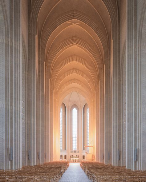 Grundtvig's Church is located in the Bispebjerg district of Copenhagen, Denmark. It is a rare example of expressions church architecture. Art Et Architecture, Beautiful Architecture, Beautiful Buildings, Beautiful Places, Classical Architecture, Residential Architecture, Kirchen Design, Church Design, Copenhagen Denmark