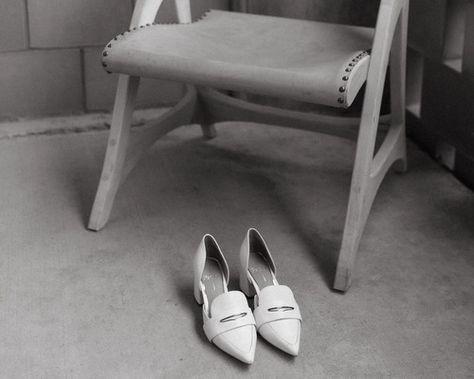 #weddingdayprep #gettingready #weddingphotography #weddingdetails #austinweddingphotogher #carpenterhotel #austinhotel #atxhotel #weddingvenue #austinweddingvenue #texaswedding #austinwedding #atxwedding #opalmilk #bride #bridestyle #bridalstyle #gettingreadystyle #weddingday #weddingshoes #bridalshoes