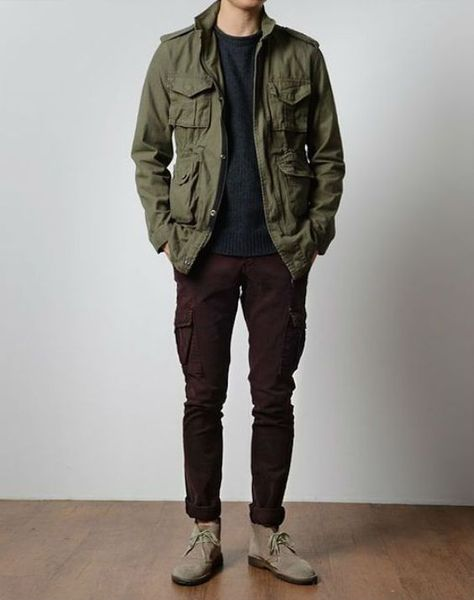 Green Field Jacket, Black Tee and Jeans, and Taupe Desert Boots.Olive Green Field Jacket, Black Tee and Jeans, and Taupe Desert Boots. Rugged Style, Style Men, Men's Style, Cool Jackets For Men, Style Brut, Mens Fall, Desert Boots, Fashion Essentials, Autumn Winter Fashion