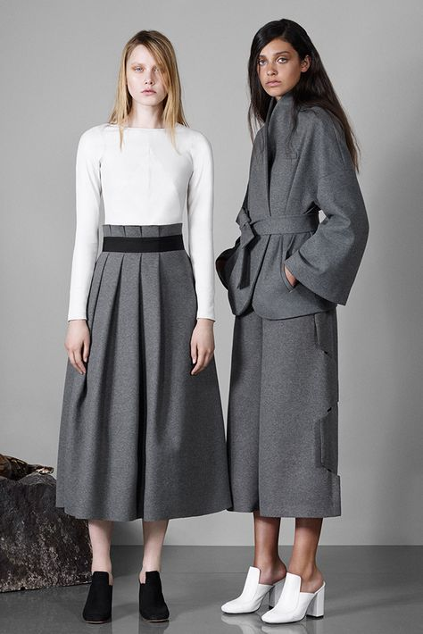 Osman Resort 2016- side seam of skirt is very cool.