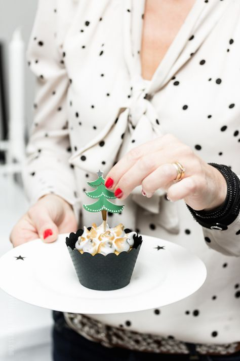 Use this tutorial to make tiny tree toppers.
