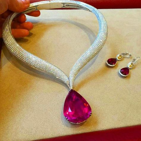 Chopard @chopard 🌷🌹🌷 #chopard #rubelite #diamonds Photo by @wendyyu_official