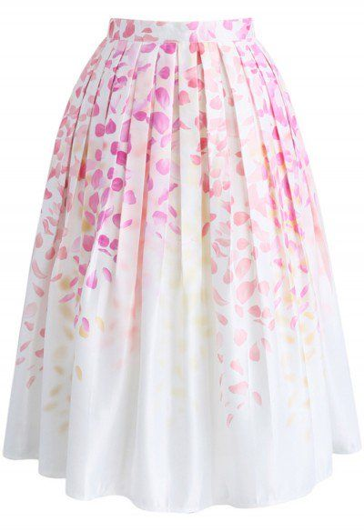 Have a fit of wisteria with this crazy-fabulous printed midi skirt. The lilac-hued flowers hang from the top of the skirt and fade away into a crisp, white hemline curated by elegant pleats.  - Wisteria pattern - Box pleats from waist - Inserted side pockets - Concealed side zip closure  - Lined - 100% Polyester - Machine washable Size(cm)Length   Waist XS               72          64 S                 72          68           M                 72          72 L                  72          ...