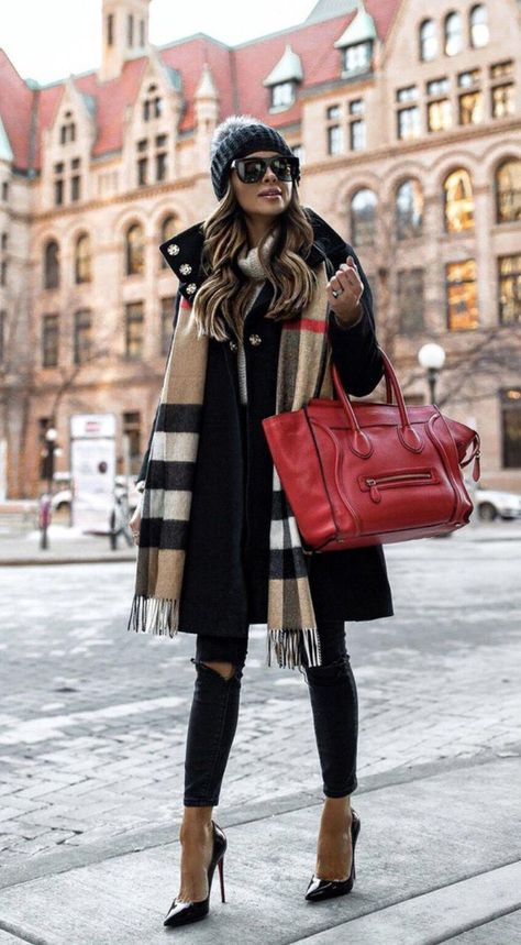 40 Outstanding Casual Outfits To Fall In Love With: Casual outfits for spring & fall to get inspired by! If you're looking for causal outfit inspiration, casual everyday outfits and fashion ideas, these 40 beautiful outfits by fashion bloggers will motivate you to look trendy in no time. | Image by ©️️ MiaMiaMine / Burberry Scarf, red Celine bag / #burberryscarf #Casualeverydayoutfits #casualoutfits #outfitsinspiration #casualoutfitinspiration #fashionidea #fallfashionoutfitscasualleggings