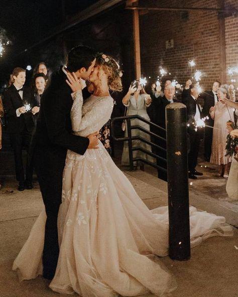 Romantic rustic country light wedding photo #weddings #weddingideas #weddingphotos #weddinginspiration