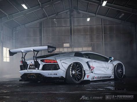 Liberty Walk Lamborghini Aventador Lamborghini Aventador
