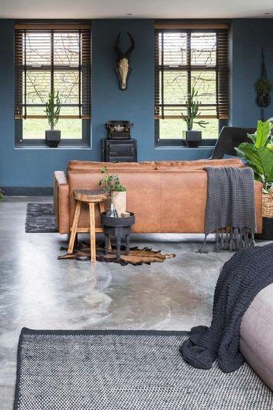 Cognac Bank Ideaal Voor Een Industriele Woonkamer My Industrial Interior Woonkamerbank Interieur Woonkamer Thuisdecoratie