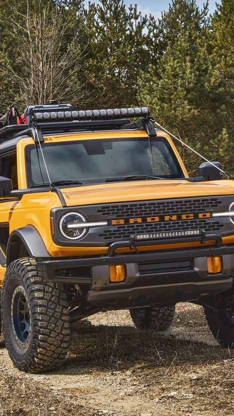 2021 Ford Bronco 2 Door Looks To Be An Off Road Warrior Roadshow In 2020 Ford Bronco 2 Ford Bronco Bronco