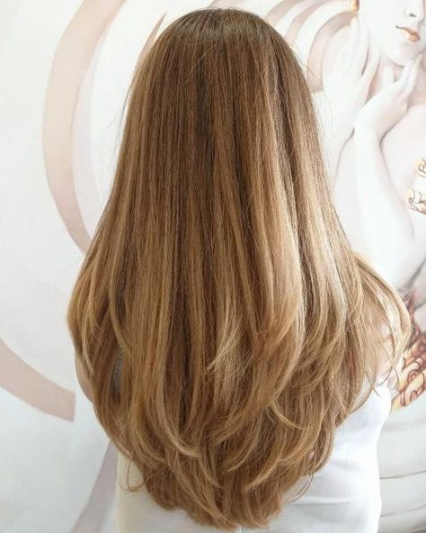 31 Hottest Layered Hairstyles and Cuts for Long Hair