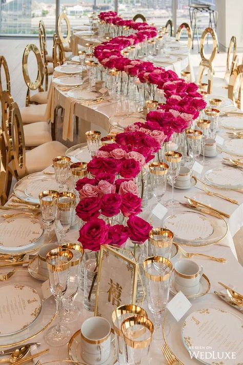 wedding trends 2019 luxury elegant blush gold wavy table with pink red roses in vace tablerunner agistudio Gold Wedding Decor Wedding Trends, Trendy Wedding, Dream Wedding, Wedding Day, Luxury Wedding, Magical Wedding, Diy Wedding, Elegant Wedding, Star Wedding