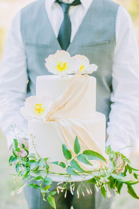 Gorgeous wedding cake with faux fabric draping. #wedding #cake #dessert