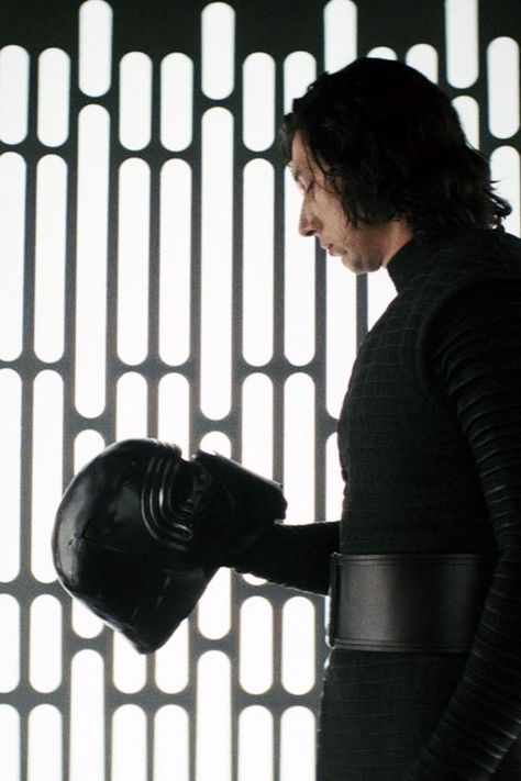 Why Kylo Ren Is Probably Switching Sides in Star Wars: The Rise of Skywalker