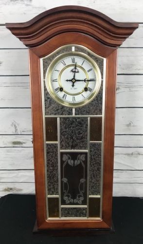 Elgin 31 Day Pendulum Wall Clock Stained Etched Colored Glass With Key Chime Wall Clock Vintage Wall Clock Vintage Alarm Clocks Wall clock with pendulum