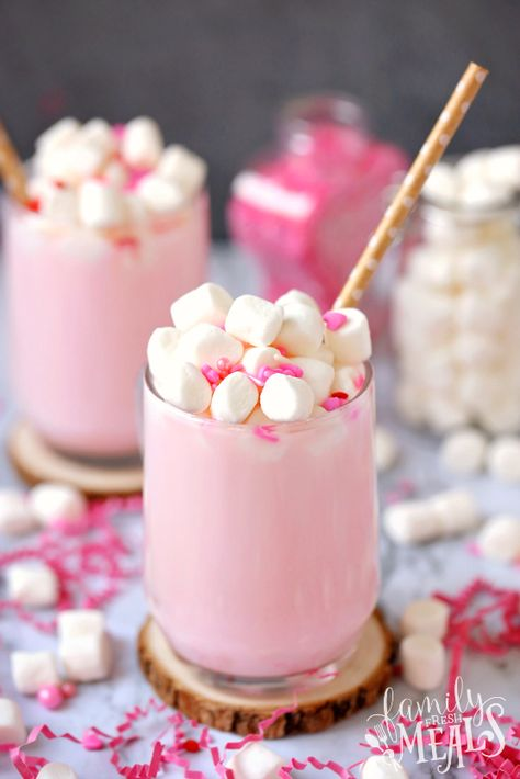 My Valentine& Pink Hot Cocoa with Free DIY Gift Tags makes a cheery pink cocoa that's perfect for the holiday. To make it extra special, top it with a handful of mini marshmallows and some festive pink sprinkles. Valentine Desserts, Valentines Day Treats, Valentines Recipes, Valentines Baking, Macarons Rose, Strawberry Mousse, Low Carb Cheesecake, Family Fresh Meals, Mini Marshmallows