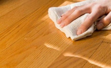 17 Limpiador casero para pisos de madera