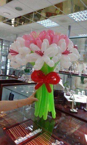 Aprende Como Hacer Hermosos Ramos De Flores Con Globos Flores De Globos Decoracion Con Globos Largos Globos