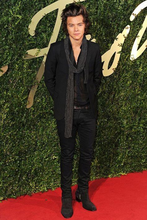 Harry Styles Wearing Black Blazer Black Dress Shirt Black Skinny Jeans Dark Brown Suede Chelsea Boots Harry Styles Boots One Direction Harry Styles Harry Styles Chelsea Boots
