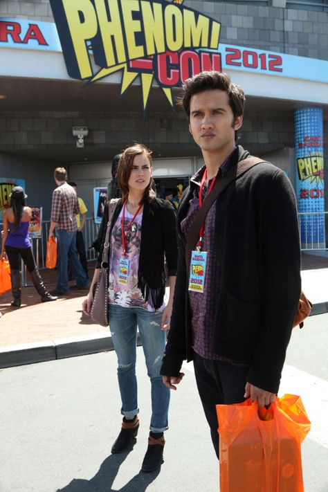 """90210 -- """"The Con"""" -- Image: NO506a_0094 -- Pictured (L-R): -- Jessica Stroup as Silver and Michael Steger as Navid -- Photo: Scott Humbert/The CW -- ©2012 The CW Network. All Rights Reserved"""