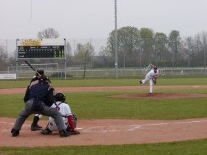 Die Major League Baseball (MLB) oder auch Baseball genannt ist eine der beliebtesten Sportarten in den USA. Hier werden die Spielregeln der MLB erklärt.