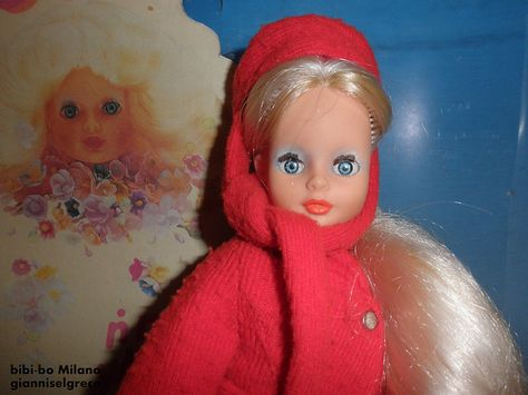 Bibi-Bo was the Greek version of Sindy. She had her own range of clothes, her house, lots of accessories and a boyfriend with an equally silly name: John John (!).