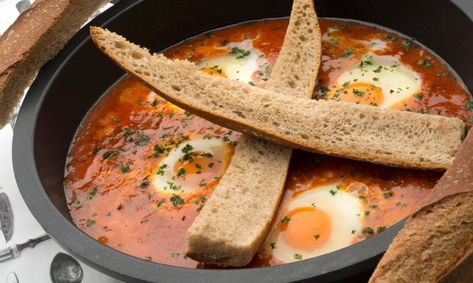 Receta De Huevos Entomatados Karlos Arguiñano Cooking Recipes Cooking Recipes