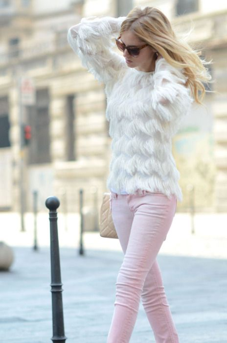 Light pink jeans with a white sweater. Love the jeans perfect color of light  rose IMO. d7db43e8b