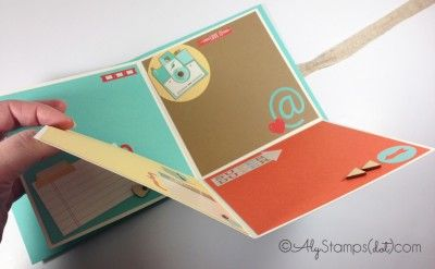 Retro Fresh Mini Scrapbook w/Fun Folds