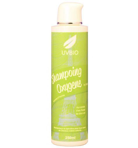 Shampoing bio à la spiruline d'UVBIO. Un shampoing pour cheveux blancs, méchés ou colorés. Livraison offerte dès 50€ d'achats.