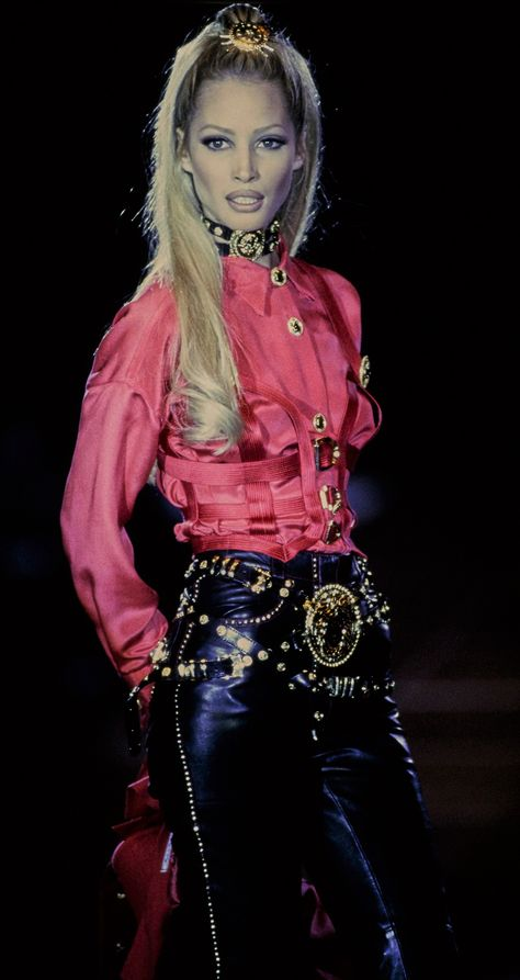 Christy Turlington - Gianni Versace, The most opulent, over the top but crazily stylish look ever created! I love Versace!