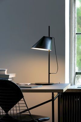 Yuh Led Table Lamp H 61 Cm By Louis Poulsen Lampada Da Tavolo Yuh Led H 61 Cm Di Louis Poulsen Yuh Led Table La Led Table Lamp Lamp Black Table Lamps