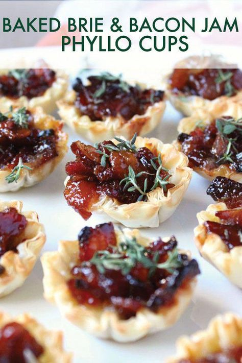 ) - Wry Toast The BEST appetizer for the holiday season, these Baked Brie & Bacon Jam Phyllo Cups are a guarantee Appetizers For A Crowd, Bacon Appetizers, Finger Food Appetizers, Easy Holiday Appetizers, Baked Brie Appetizer, Thanksgiving Appetizers, Holiday Treats, Tapas, Fast Recipes