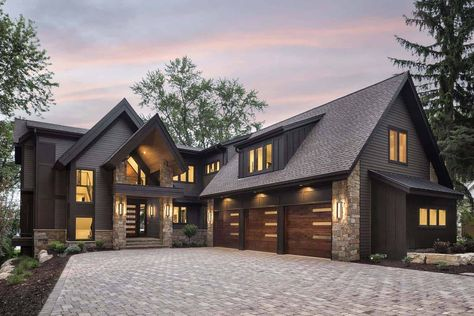 Rustic contemporary lake house with privileged views of Lake Minnetonka Office houses design plans exterior design exterior design houses home architecture house design houses Rustic Houses Exterior, Dream House Exterior, Mountain Home Exterior, Home Designs Exterior, House Ideas Exterior, Modern Farmhouse Exterior, Mountain Homes, Mountain Villa, Rustic Lake Houses